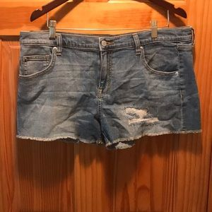 Light wash Mossimo jean shorts, size 14